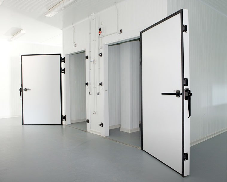 Cold rooms and cold room doors